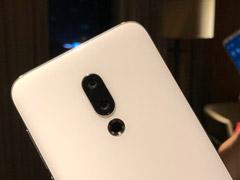 网曝白色版魅族16手机真机上手图